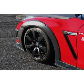 Chargespeed Over Fender Nissan GT-R 35